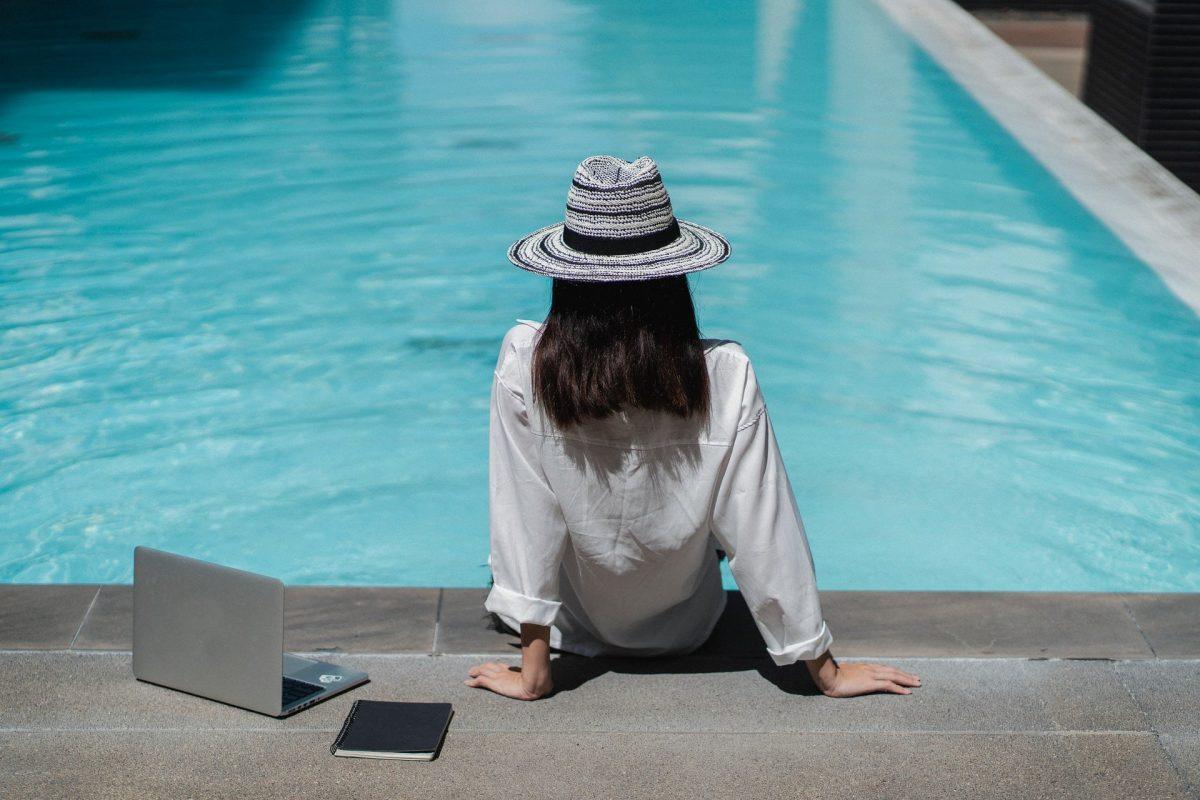 Vaincre l'hyperconnexion : comment décrocher pendant les vacances d'été ?